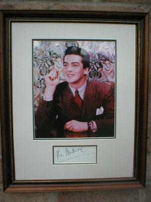 Vic Autograph